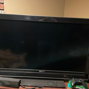 1080p Sony Bravia LED tv for Sale in Weymouth, MA