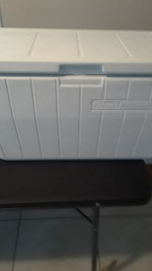 Coleman cooler 30qt for Sale in Inglewood, CA