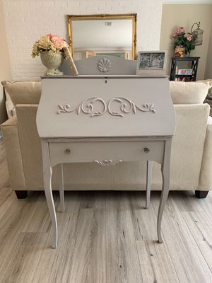 Gorgeous & Elegant Antique French Provincial Writing Desk for Sale in Annandale, VA