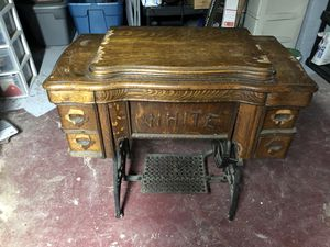 White brand Sewing Machine Cabinet for Sale in Toledo, OH