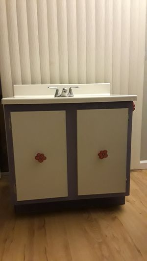 Bathroom cabinet with sink and faucet for Sale in Gaithersburg, MD
