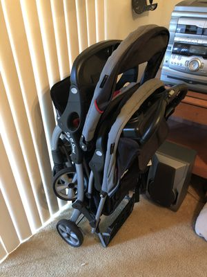 Double stroller for Sale in Lakeshore, FL