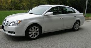 Great 2010 Toyota Avalon 4WDWheels Clean for Sale in Tempe, AZ