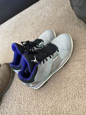 Jordan shoes size 7y for Sale in Fort Leonard Wood, MO