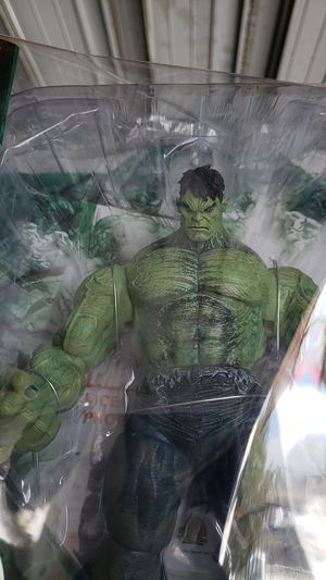 Hulk marvel select covered by sreenk paper for Sale in Los Angeles, CA