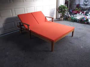 Outdoor patio double wood chaise lounge chair for Sale in Los Angeles, CA