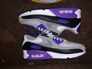 Air max 90 hyper grape for Sale in Riverside, CA