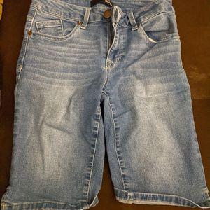 1822 Brand Denim Shorts for Sale in Hutchinson, KS