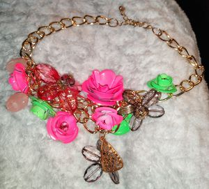 Pre-Owned Costume Jewelry Chunky Rose Necklace Statement Piece for Sale in Fremont, CA