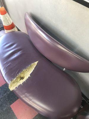 6 mirrors ,2 shampoo sinks ,2 shampoo chairs for Sale in Philadelphia, PA