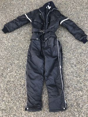 Ladies small Cold weather suit. for Sale in Chehalis, WA
