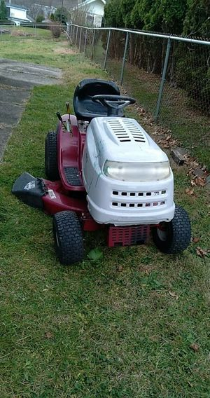 2006 white outdoors Lt 542H hydro riding tractor 18 1/2 hp engine for Sale in Northumberland, PA