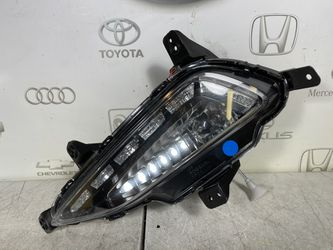 2016 2017 2018 Hyundai Tucson Front LH Left Drivers Side DRL Fog Light OEM for Sale in Anaheim, CA
