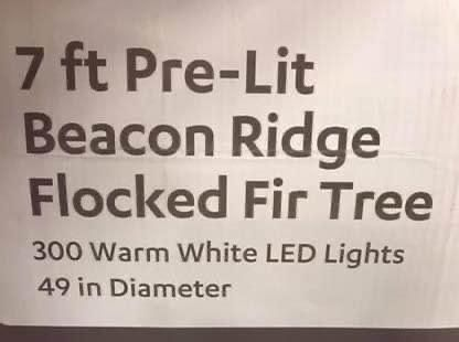 New Pre-Lit Beacon Ridge Flicked for Tree with 300 lights
