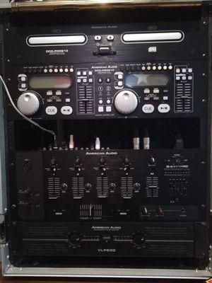 """DJ Equipo American Audio micer, amplificador,doble CD playera y el case más two speakers de 12"""" for sale $350. Acepto ofertas for Sale in Cleveland, OH"""