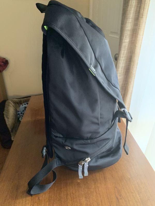 REÍ Backpack Black