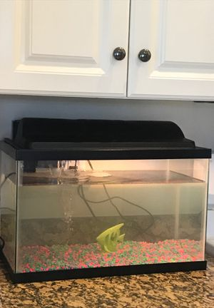 Fish tank for Sale in Lehigh Acres, FL