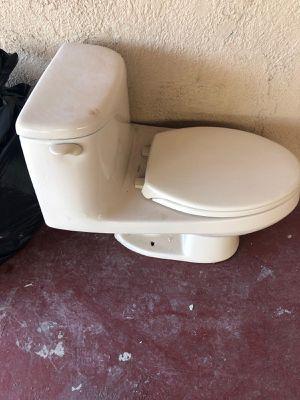 Free toilet for Sale in Miami, FL