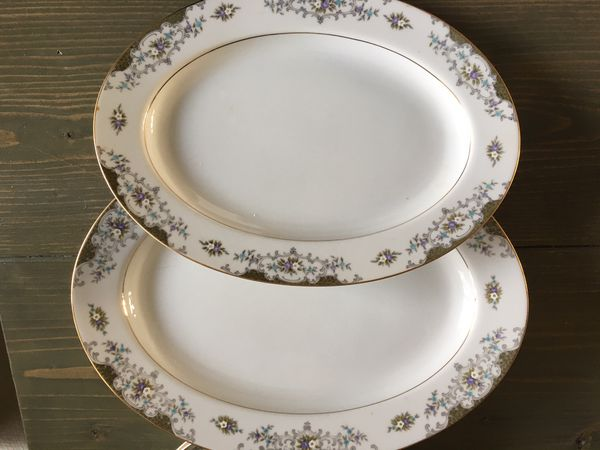 Fine China Dinner Set – 97 Pieces – Mimosa Victorienne