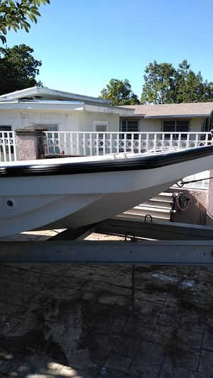 22 ft open boat and trailer low hours motor for Sale in Miami, FL