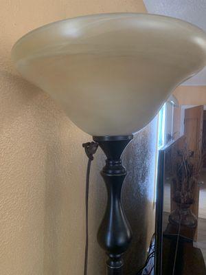 Beautiful floor lamp for Sale in Los Angeles, CA