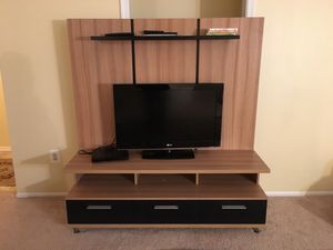 TV entertainment center/ TV Stand for Sale in Vienna, VA