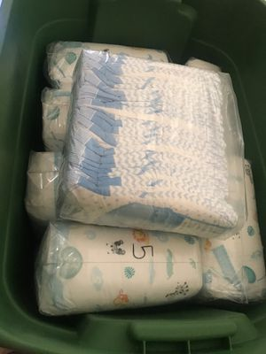 diapers Size 5 -200 diapers all $40 or one bag $5.00 for Sale in El Cajon, CA