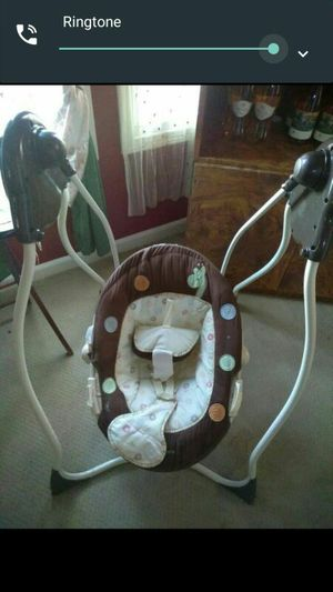 Baby swing for Sale in Halethorpe, MD