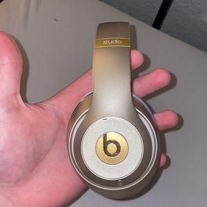 Beats Studio 2 Wireless for Sale in Missouri City, TX