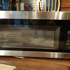 Over-the-Range Microwave (With Mount) for Sale in Williamsburg, VA