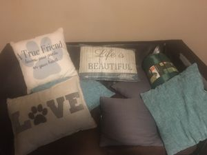 Score of pillows for Sale in Grapevine, AR