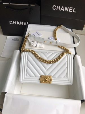 small le boy chevron chanel bag in white other colors available too /silver or gold hardware for Sale in Fort Lee, NJ