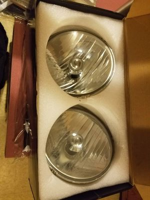 Jeep wranger 2014 original headlights for Sale in Chicago, IL