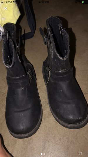 Boots size 10 in girls for Sale in Fenton, MO