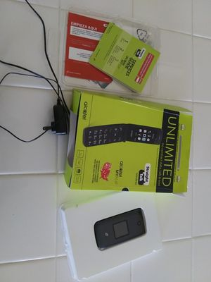 Alacatel MyFlip Cellphone (bought new, only used for 1 month) for Sale in Fowler, CA