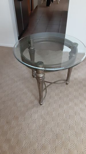 2 end tables with coffee table for Sale in NJ, US