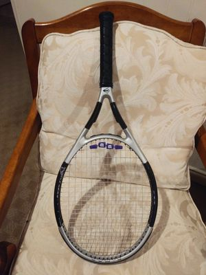 Adult dunlop tennis racket like new. With case. for Sale in Lake Forest Park, WA