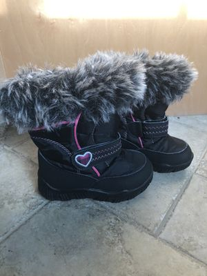 Girls snow boots for Sale in Pleasant Hill, CA