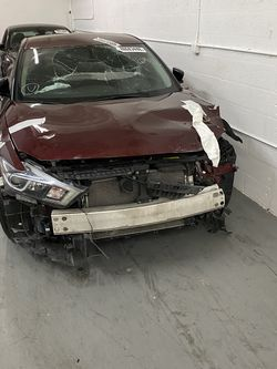 2017 Nissan Máxima V6, 90k Miles , Clean Title , Starts And Runs , Bodyshop Special for Sale in Miami,  FL