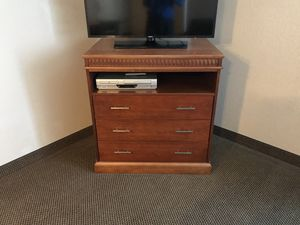 Dresser-3 drawer for Sale in Fort Wayne, IN