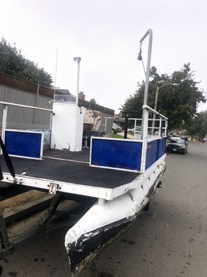 15 ft pontoon boat for Sale in Corona, CA