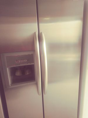 Whirlpool stainless steel Refrigerator for Sale in Orlando, FL