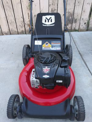 Yard machine push lawn mower work great for Sale in Colton, CA