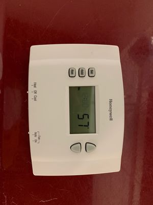 Honeywell programmable thermostat for Sale in Fremont, CA