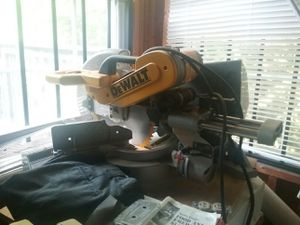 DeWalt 12 inch compound miter saw for Sale in Charlottesville, VA