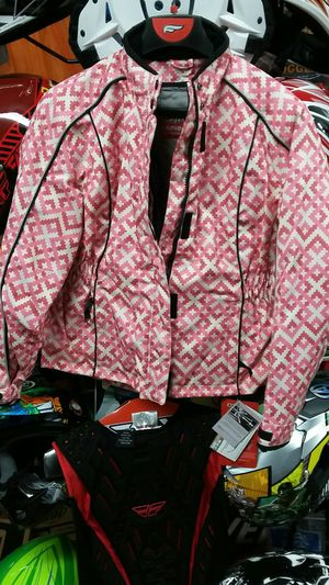 Women snowboard jacket size medium brand new for Sale in Los Angeles, CA