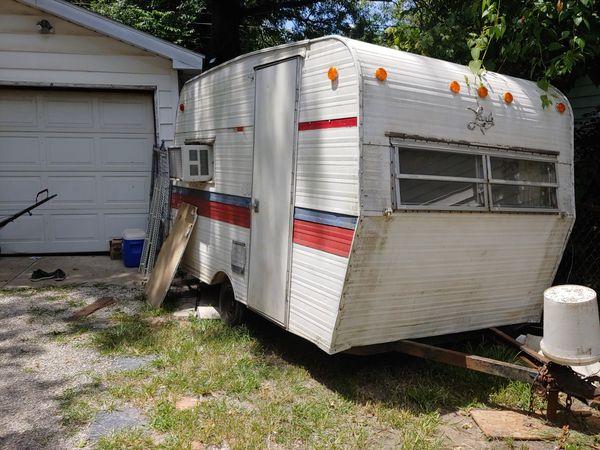 Vintage 1969 trotwood lark camper