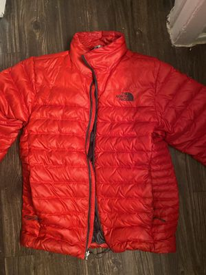 North face puff jacket for Sale in Dallas, TX