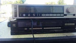 2 AM/FM stereo receiver for Sale in Vista, CA