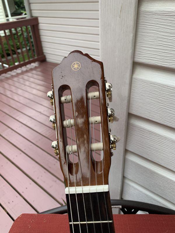 Yamaha C40 Acoustic Guitar